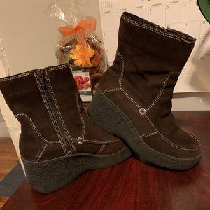 Bongo wedge suede boots